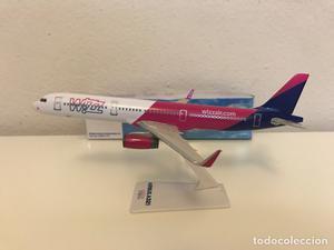 Precioso avión de colección A321 Wizzar Airlines