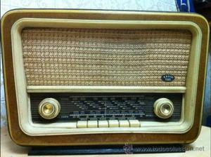 RADIO ANTIGUA DE VÁLVULAS (RADIO FONIL)