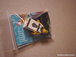 Se vende minifigure de Cleopatra de la serie 5 de lego