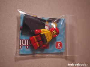 Se vende minifigure de boxeador de la serie 5 de lego