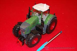 Tractor de metal, de la casa Siku. Fendt.