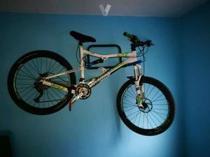 Una bicicleta con mas materiales