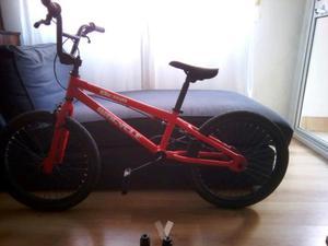 bicicleta bmx demo biocicle en muy buen estado