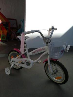 bicicleta niña aprendizaje