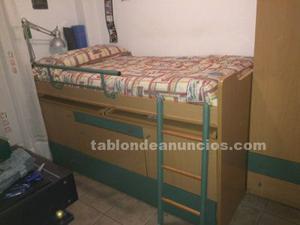 Cama nido, armario y estante