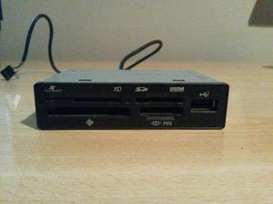 Lector de tarjetas interno con entrada USB