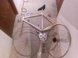 Bicicleta de carretera. Fixie..