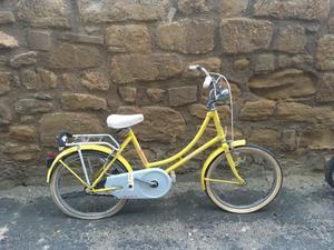 Bicicletas de niña y de paseo