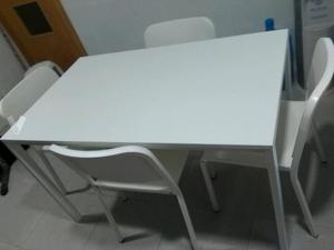 Conjunto mesa y 4 sillas de cocina