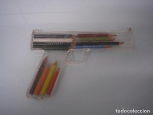 Estuche con forma de pistola - De plástico con figuras del