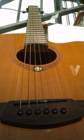 Guitarra Electroacústica LAG Tramontane