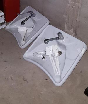 Lavabos para minusválidos (dos unidades)