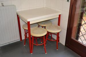 Mesa cocina libro y 4 taburetes