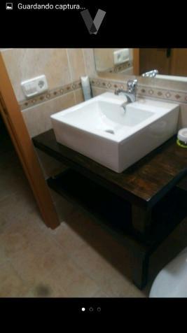 Mueble lavabo wenge con labavo grifo y espejo