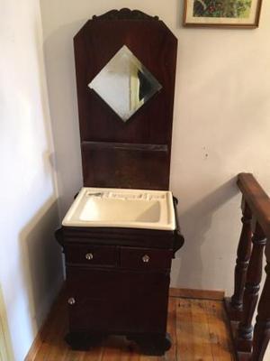 Mueble y lavabo antiguo