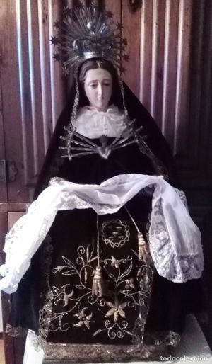 Virgen Dolorosa Capipota con el vestido todo bordado. Del 19