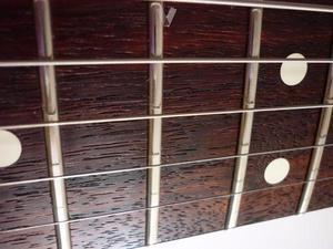 ajuste,limpieza y reparacion de guitarra electrica