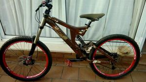 bicicleta de descenso dh