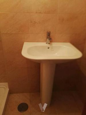 lavabo marca Bellavista con grifo monomando
