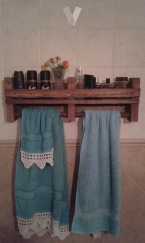 toalleros con estante para colonias etc