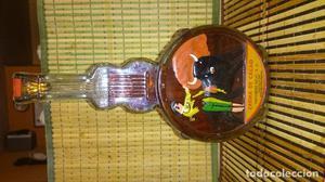 Botella antigua de crema de cacao