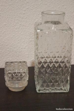 Botella cuadrada para licor, de cristal tallado y boca