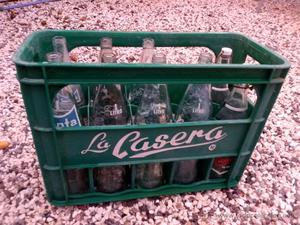 LOTE CAJA DE CASERA + 2 BOTELLA DE FANTA + 5 BOTELLA COCA