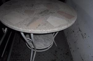 Mesa terraza en marmol y hierro