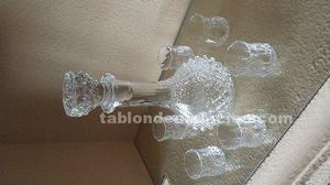 Juego licorero de cristal tallado