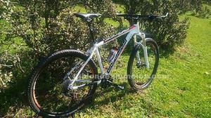 Se vende bici de montaña