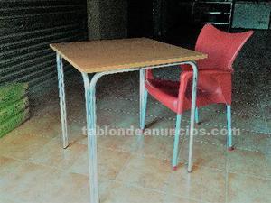Se vende conjunto de mesa y 4 sillas