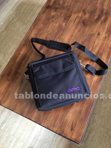 Vendo bolsa para tablet y demás accesorios.