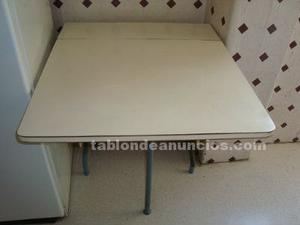 Vendo mesa de cocina plegable
