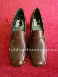 Zapatos de tacon piel marron para mujer