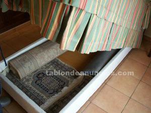 Conjunto dormitorio en madera color nogal