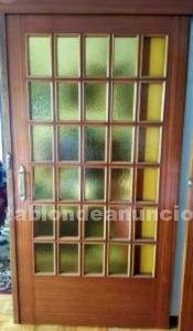 Conjunto puertas correderas. Madera y vidrio
