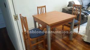 Mesa de comedor con 4 sillas perfecto estado