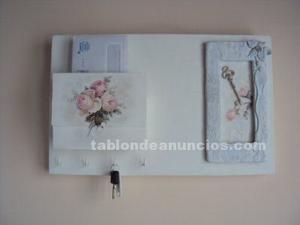 Decorativo llavero y guarda cartas de pared en estilo shabby