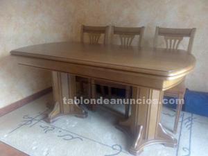 Mesa salón y 6 sillas con asiento tapizado en piel