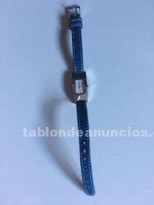 Reloj con pulsera azul demin marca guess