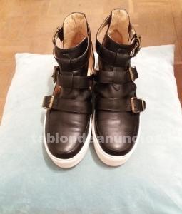 Sandalias blanco y negro de mim