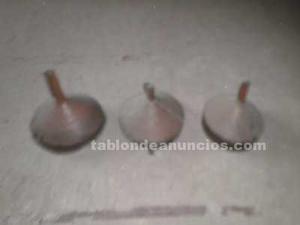 Tres embudos antiguos de cobre para decoración por 35 euros