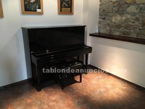 Se vende piano yamaha u3