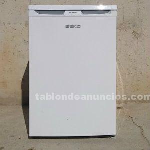 Congelador vertical beko 53x53x84cm