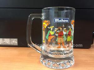 Jarras de cerveza mahou