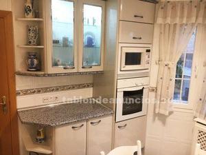 Se vende cocina completa en perfecto estado con muebles y