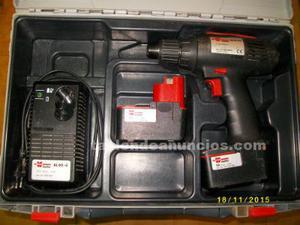 Taladro-atornillador con baterias estropeadas