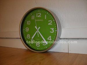 Reloj de pared verde manzana de ikea