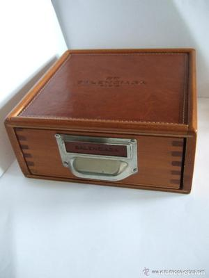 Caja de madera blanca vintage posot class for Cajas de madera blancas