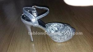 Zapatos plateados fiesta nuevo sin usar. N.38